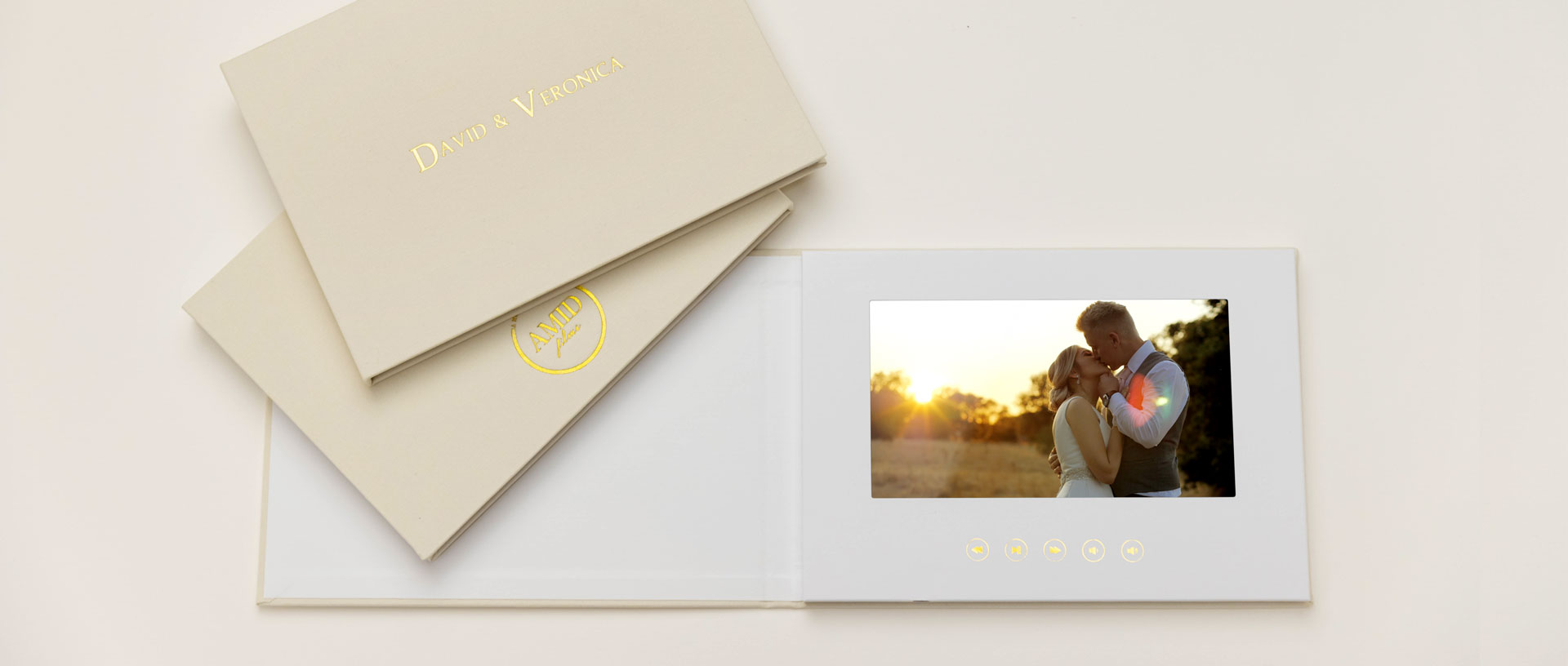Wedding Video books that play your wedding video. The Motion Books video books.